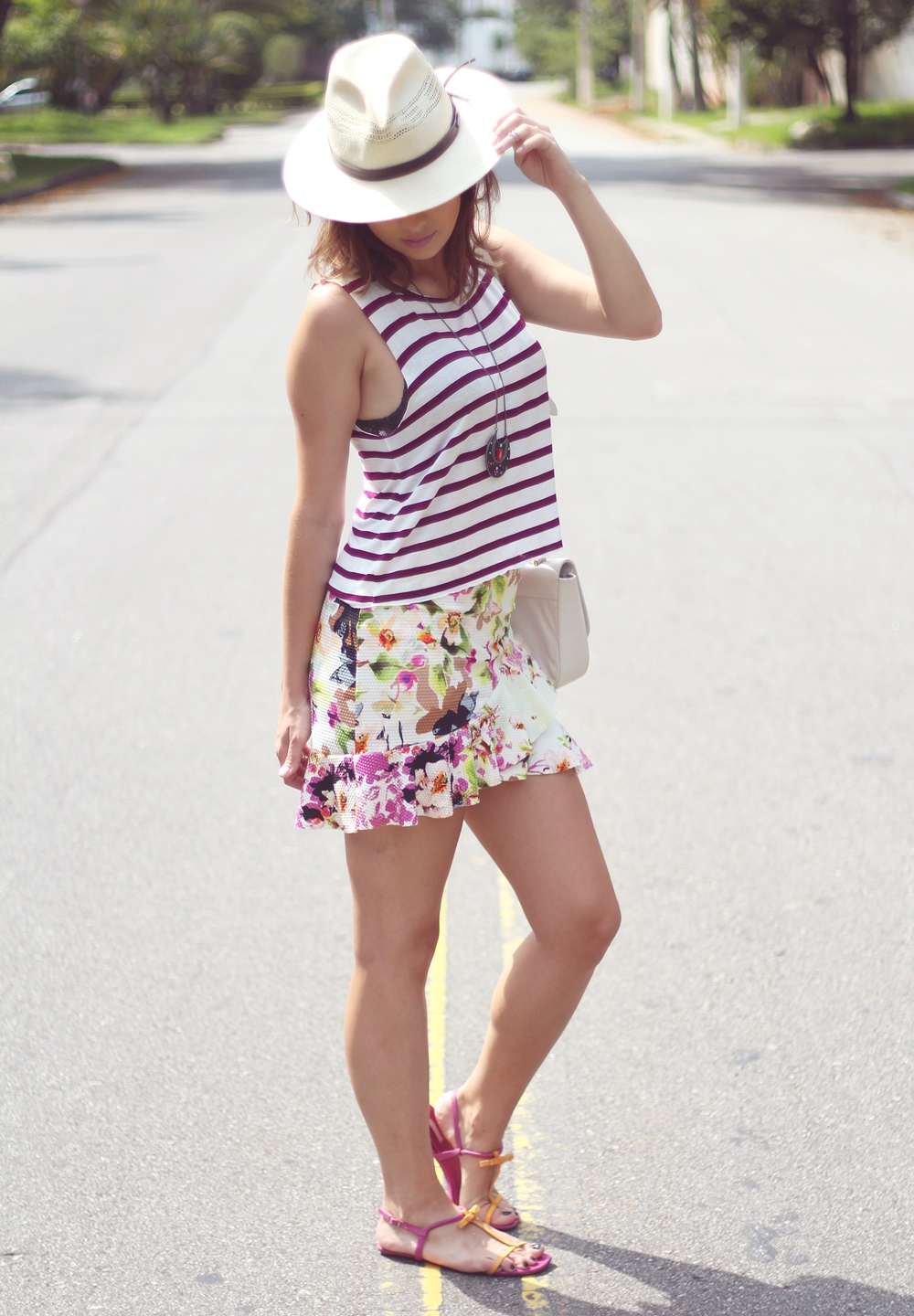 vanduarte-mix-estampas-listras-floral-look3-7