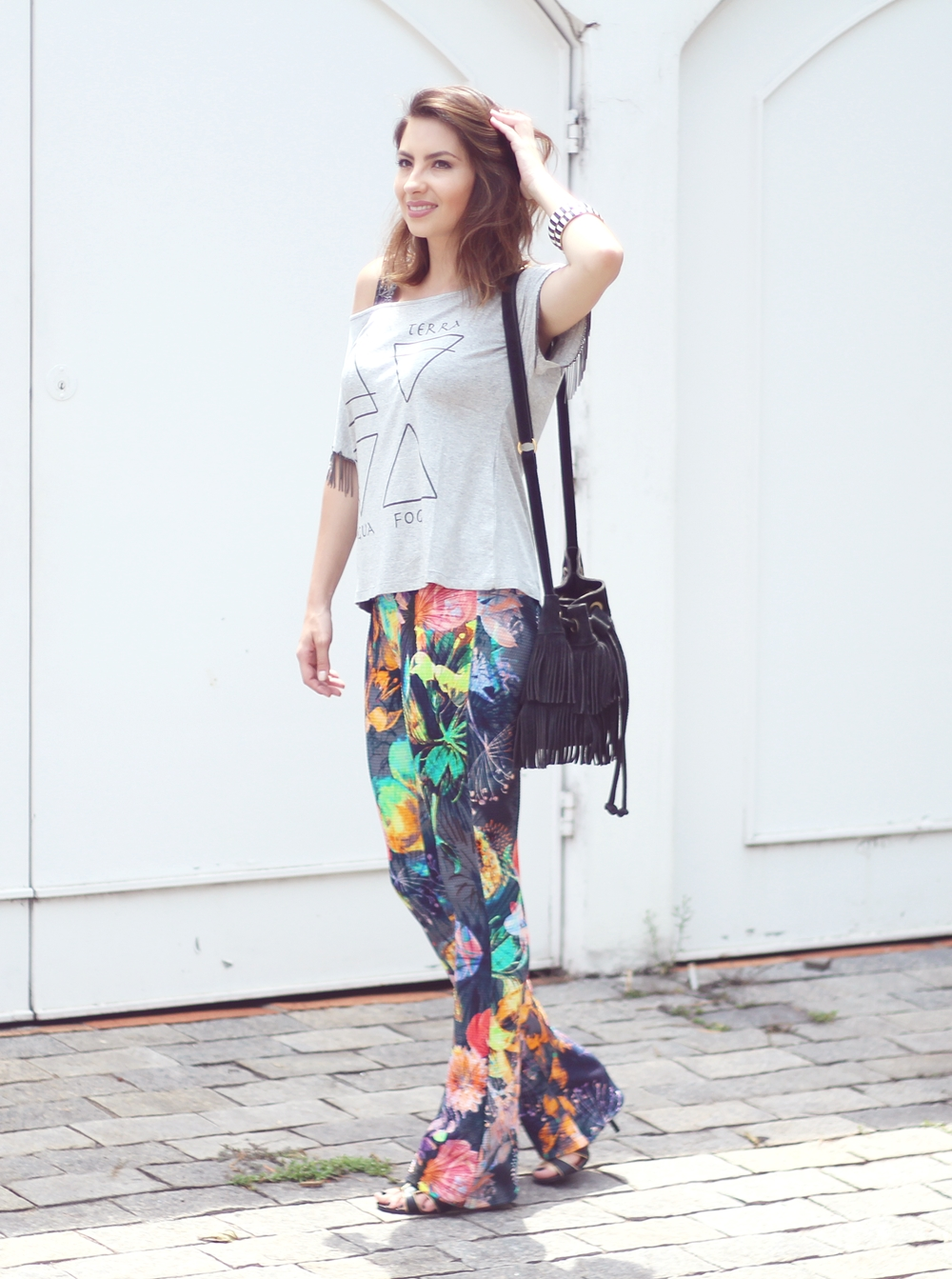 vanduarte-mix-estampas-look1-flare-tshirt-6