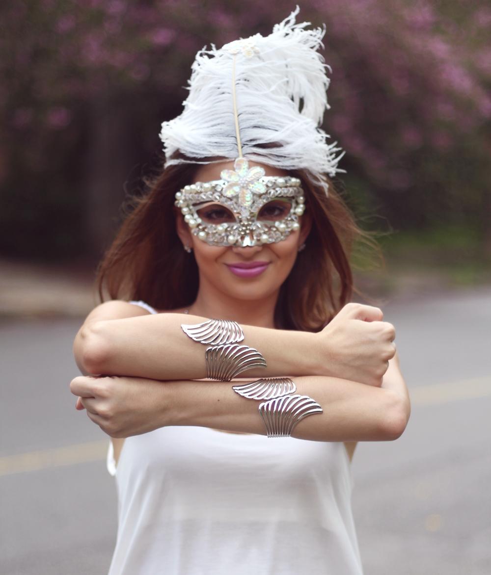 look-de-carnaval-máscara-branca-2
