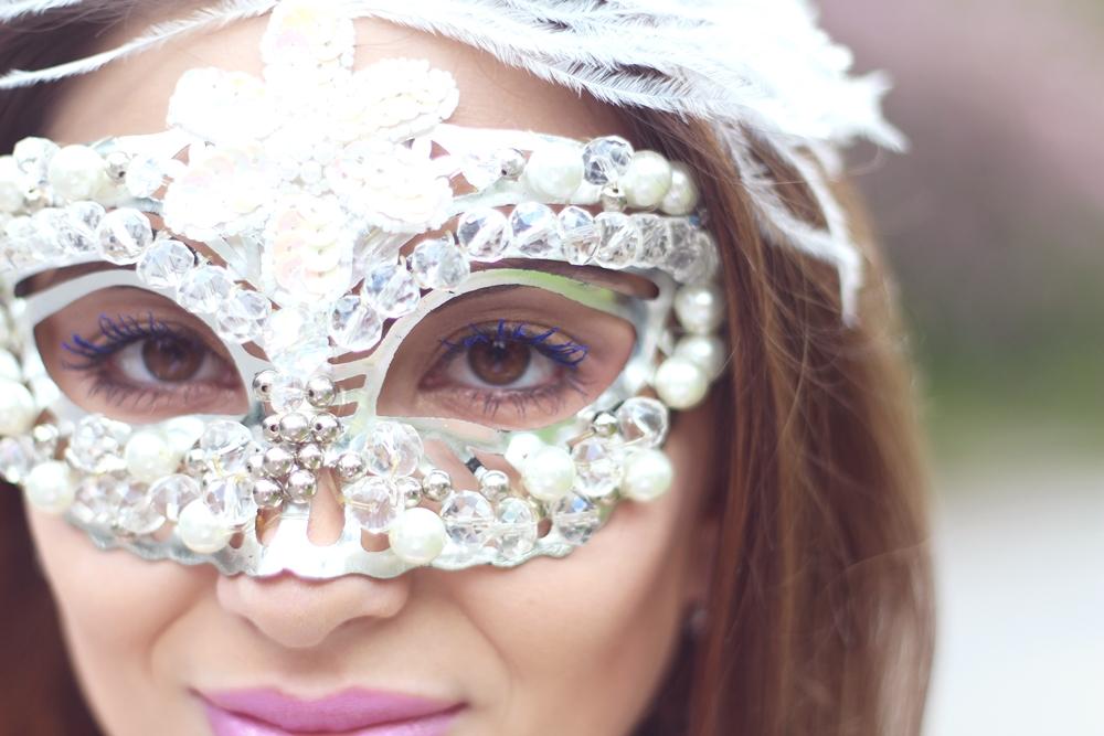 look-de-carnaval-máscara-branca-3