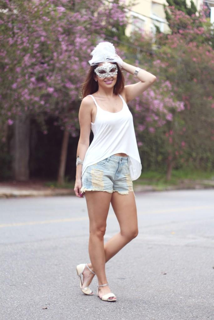 look-de-carnaval-máscara-branca-8