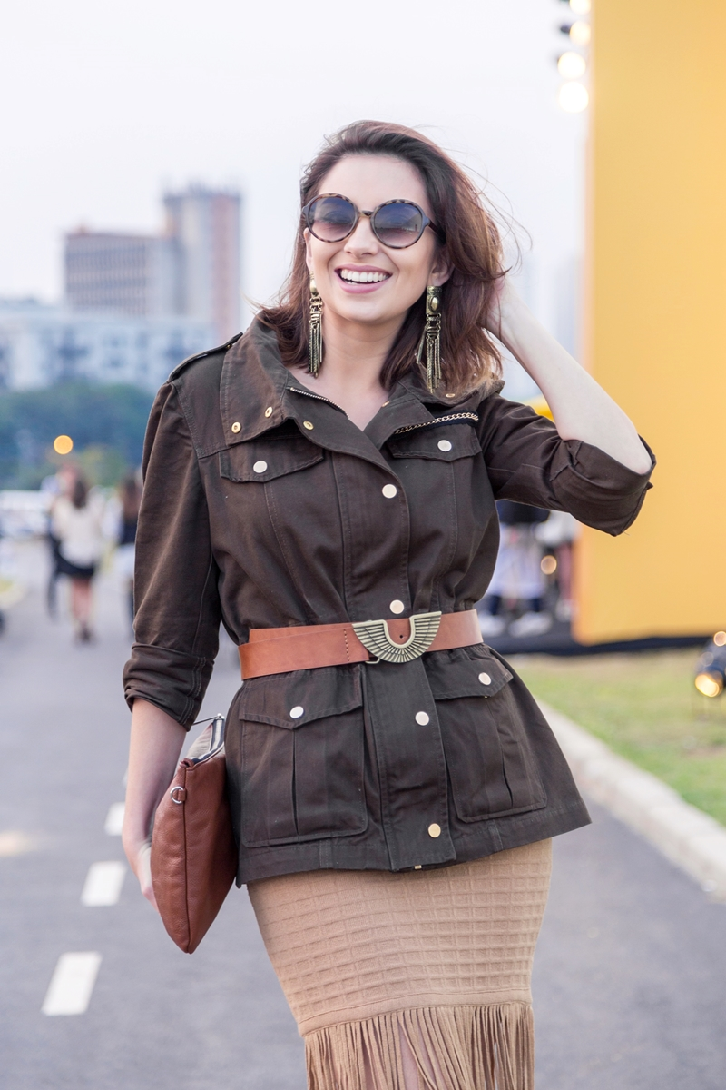 spfw-street-style-look-dia1-tendencia-militar-franjas-blog-vanduarte-5