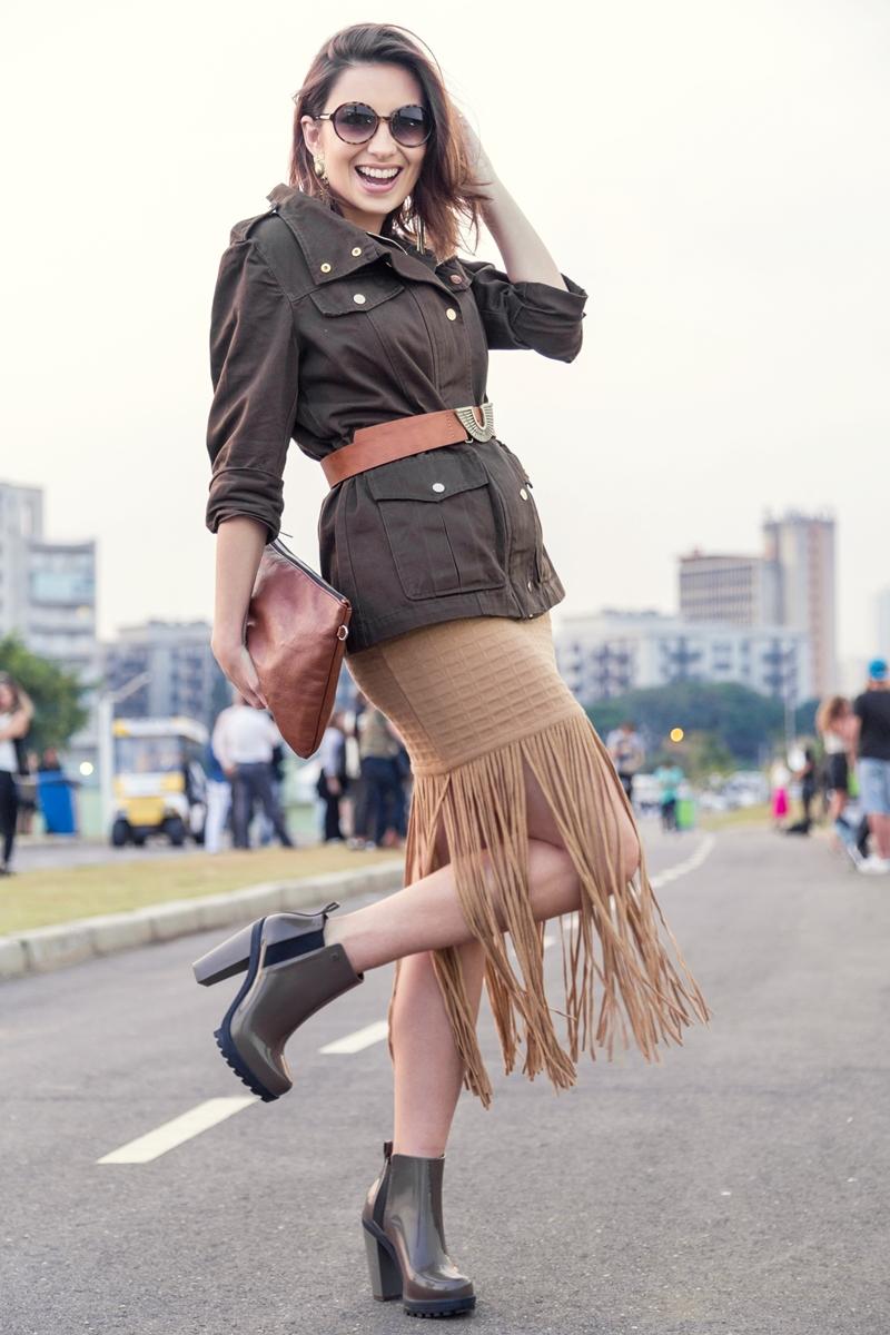 spfw-street-style-look-dia1-tendencia-militar-franjas-blog-vanduarte-8