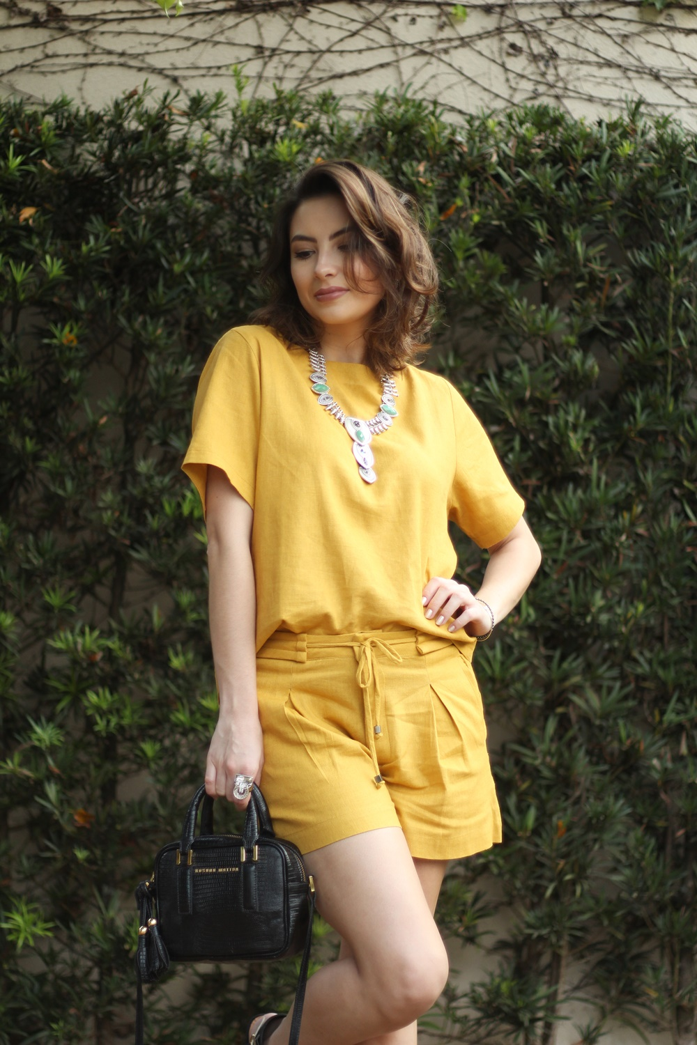 blog-vanduarte-look-monocromatico-mostarda-top-e-shorts-4