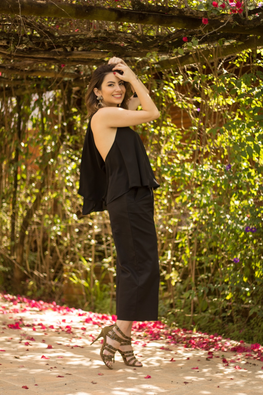 como-usar-calca-pantacourt-post--blog-vanduarte-look-all-black-3