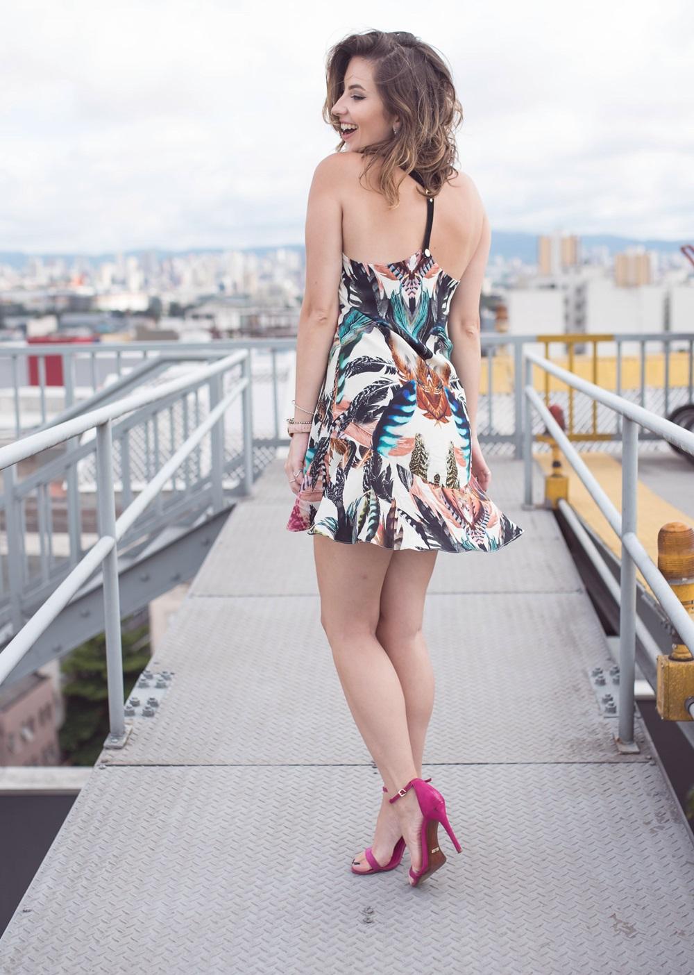looks-outono-inverno-vida-bela-vestido-chapeu-capa-bota-calca-flare-blogvanduarte-2