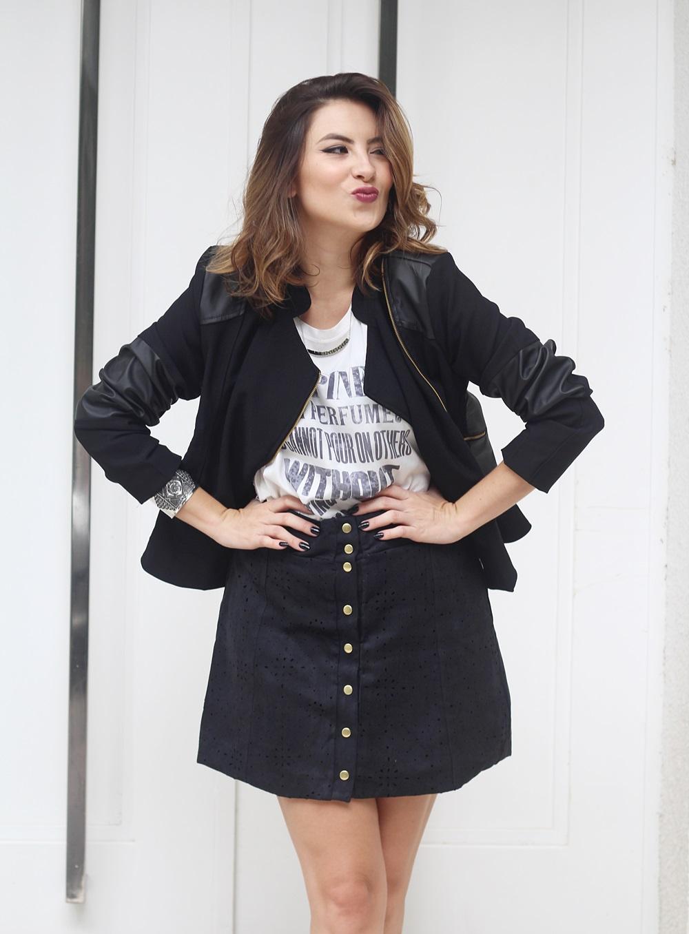 look-saia-botoes-suede-camiseta-estampada-jaqueta-couro-biker-blog-vanduarte-2