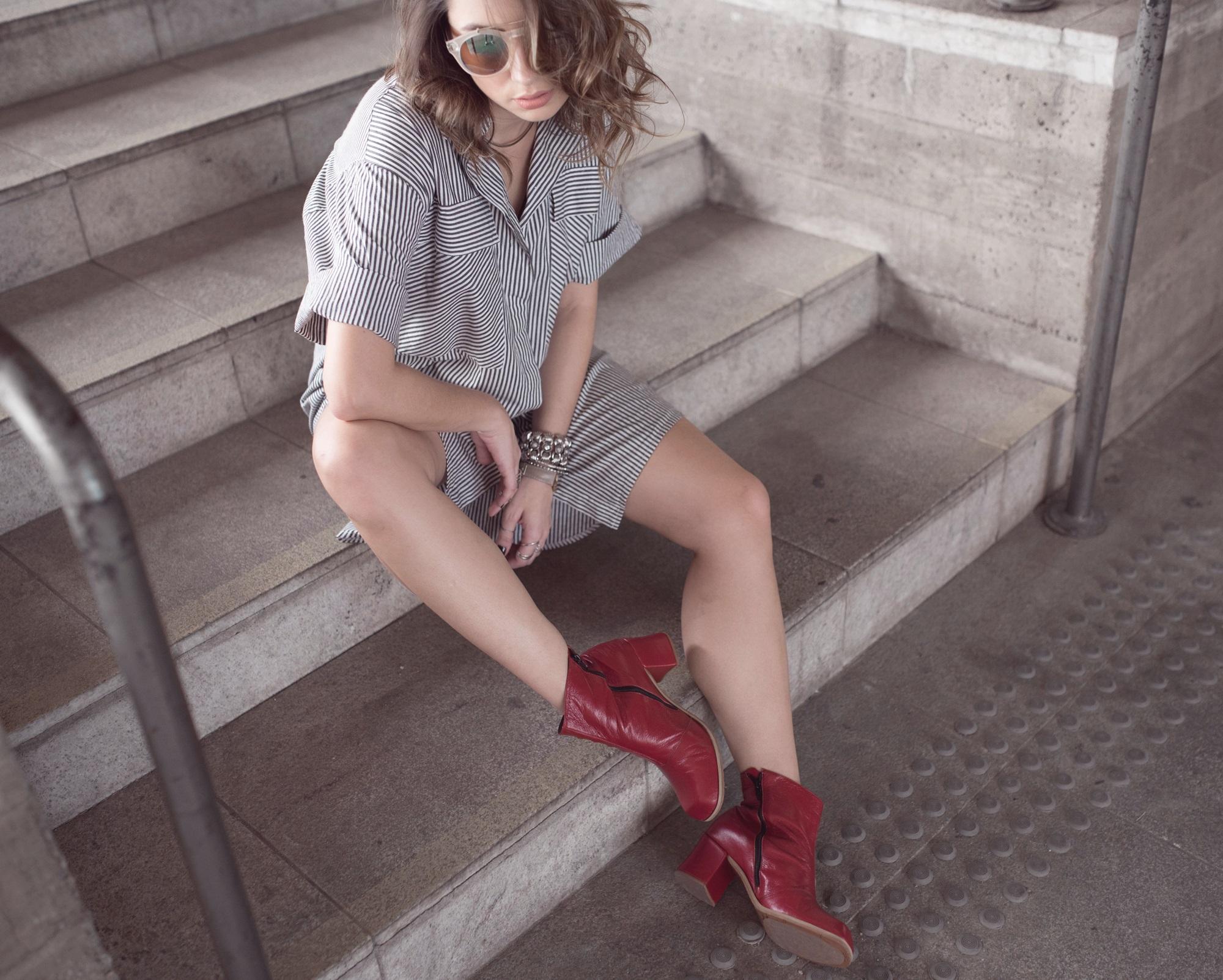 look-vestido-chemise-camisa-bota-cano-curto-vermelha-blog-vanduarte-7