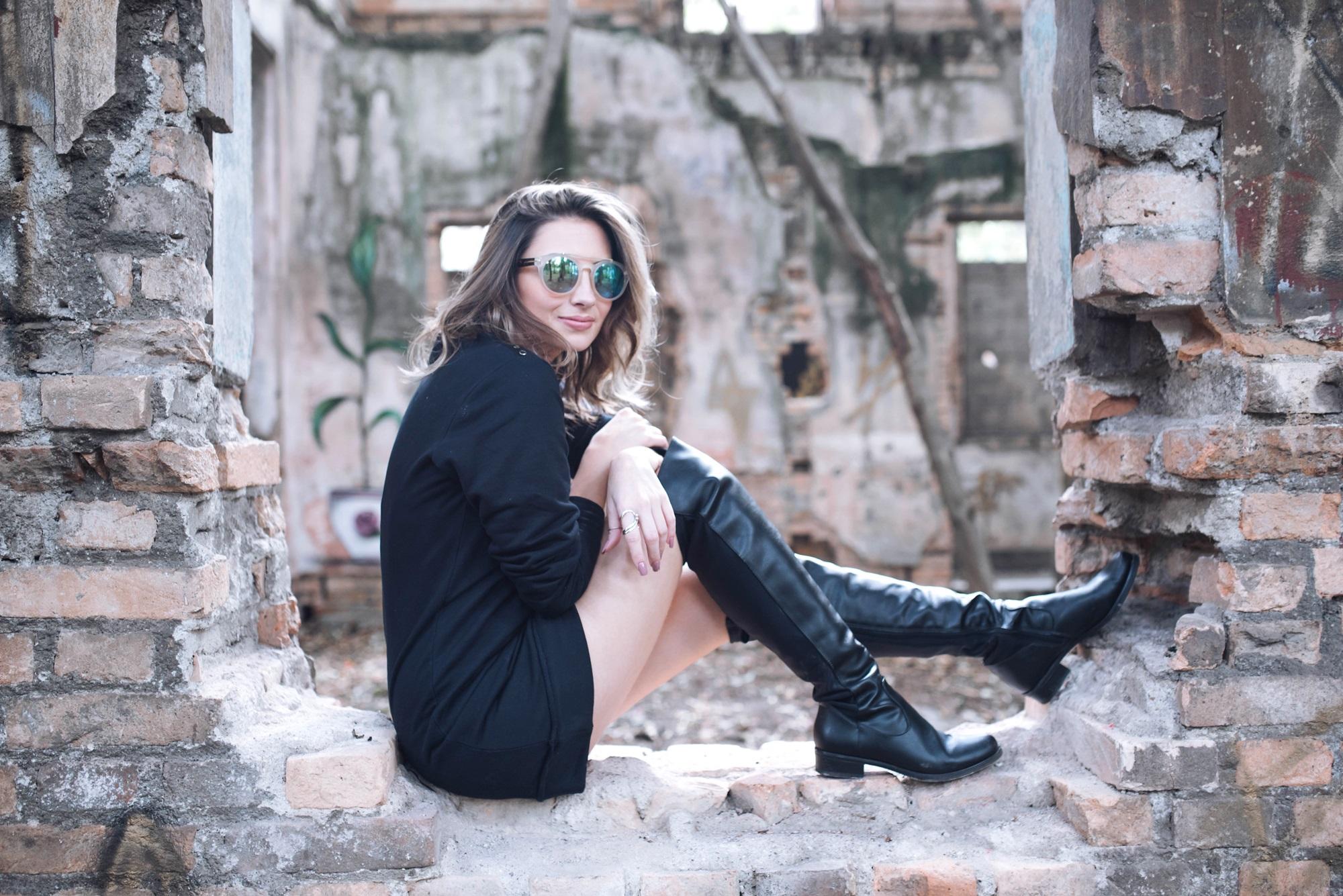 look-street-style-vestido-moletom-bota-over-the-knee-blog-vanduarte-1 (5)