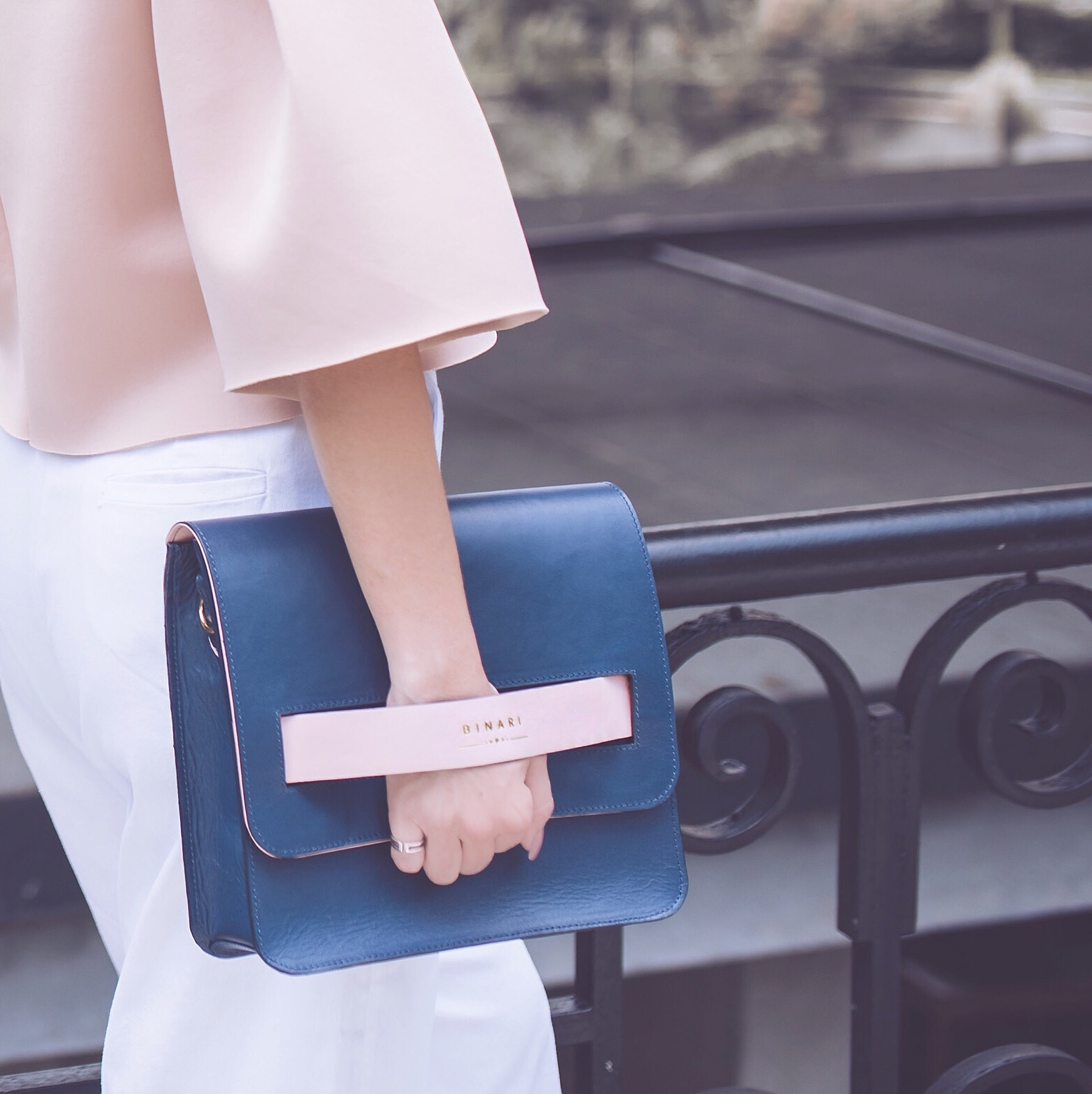 bolsas-binari-como-usar-look-casual-look-trabalho-10