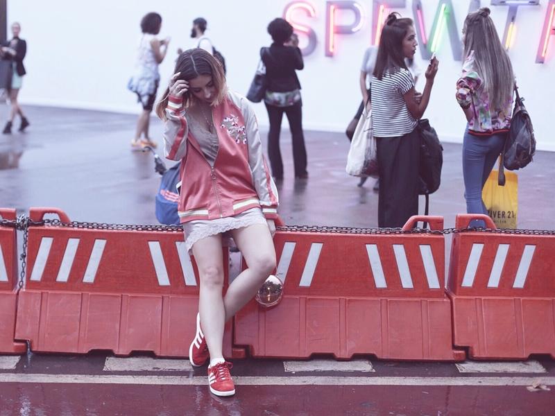 spfwtransn42-blogvanduarte-look-camisola-slipdress-bomber-jacket-adidas-gazelle-capa